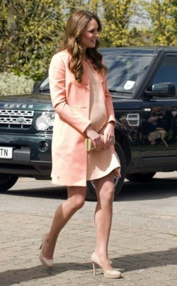 Britain's mothers' army feeling for mum-to-be Kate