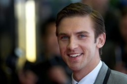 'Downton Abbey' actor Dan Stevens joins Anne Hathaway on 'Colossal'