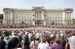 Media frenzy in London as 'Great Kate Wait' nears end
