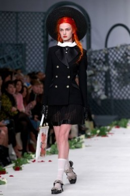 A model wearing a look from Meadham Kirchhoff's 2014 Spring/Summer collection ©AFP PHOTO / ANDREW COWIE