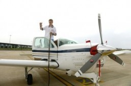 US teen pilot reaches India in around-the-world tour