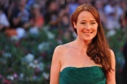 Jennifer Ehle in talks to play Anastasia's mother in '50 Shades of Grey'