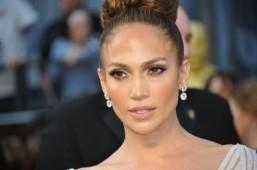 Jennifer Lopez to star in Chilean miners movie