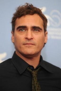 Joaquin Phoenix could challenge Batman and Superman in 'Man of Steel' sequel