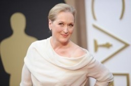 Meryl Streep to sing off key for Stephen Frears