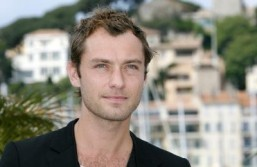 Jude Law close to joining spy comedy 'Susan Cooper'