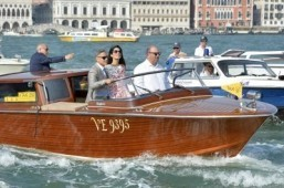 Newlywed Clooneys to go from palazzo party to gondola glide