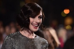 Anne Hathaway booked for monster movie 'Colossal'