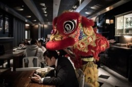 Millions in China on the move after Lunar New Year