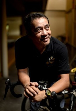 Cyclists battle Philippine capital's 'Carmageddon'