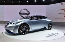 Tokyo Motor Show revs up with self-driving cars and futuristic fuel cells