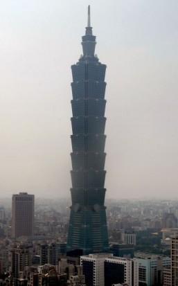 Rope-free climb up skycraper to be live TV stunt
