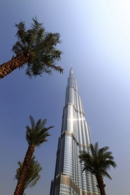Google takes viewers to top of the world's tallest building