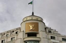 Louis Vuitton tops 2013 global luxury brand list