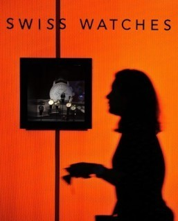 Swiss watchmakers keep cool in wait for Apple smartwatch