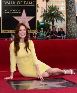 Julianne Moore gets star on Hollywood 'Walk of Fame'