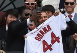 Samsung scores marketing home run with Obama selfie