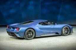 'Delicious' Ford supercar wows Detroit