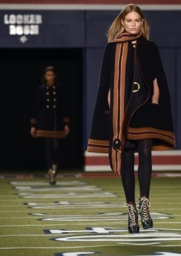 Models present creations by US designer Tommy Hilfiger during Mercedes-Benz Fashion Week Fall 2015 at Park Avenue Armory on February 16, 2015 in New York. ©AFP PHOTO/JEWEL SAMAD