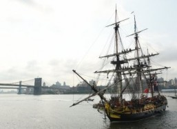 In time for July 4, replica of French frigate arrives in NY
