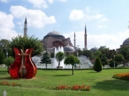Istanbul bumps Paris to become top 2014 destination: TripAdvisor