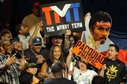 Mayweather beats Pacquiao to join greats