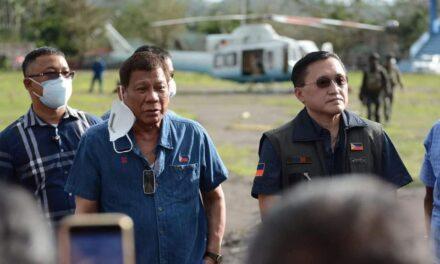 President Rodrigo Dutere visits a town in Guinobatan