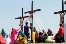 Filipinos carry out bloody Good Friday 'crucifixions'