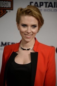 Scarlett Johansson narrates 'Alice in Wonderland' audio book