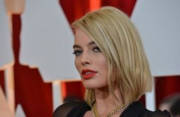 Margot Robbie tipped to play discgraced ice skater Tonya Harding in biopic