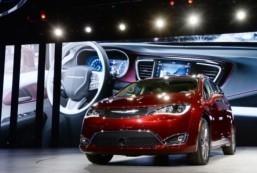 Google to open Detroit-area autonomous car center