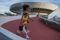 Louis Vuitton takes on Rio with its 2017 Cruise collection