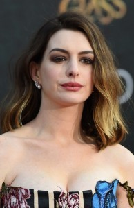 Anne Hathaway tributes 'The Princess Diaries' on anniversary