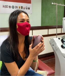 Coronavirus survivor Iza Calzado donates plasma for patients