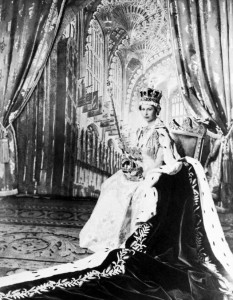 Queen Elizabeth II poses with the royal sceptre June 2, 1953 after being crowned solemnly at Westminter Abbey in London. ©AFP/STF