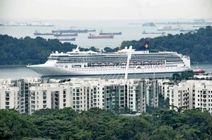 Singapore lures record number of visitors