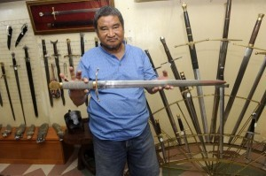 Philippine swordsmith has Hollywood touch