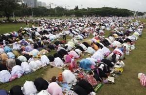 More images of Eid-al Fitr in Manila