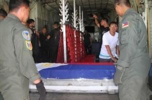PNoy brings Robredo's body to Naga