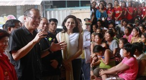 Aquino assures typhoon victims of long-term assistance to help uplift their living condition