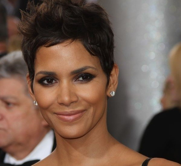 Get the body: Halle Berry's sexy shoulders and back