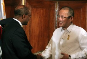 Aquino receives the chief executive officer of the Millennium Challenge exec