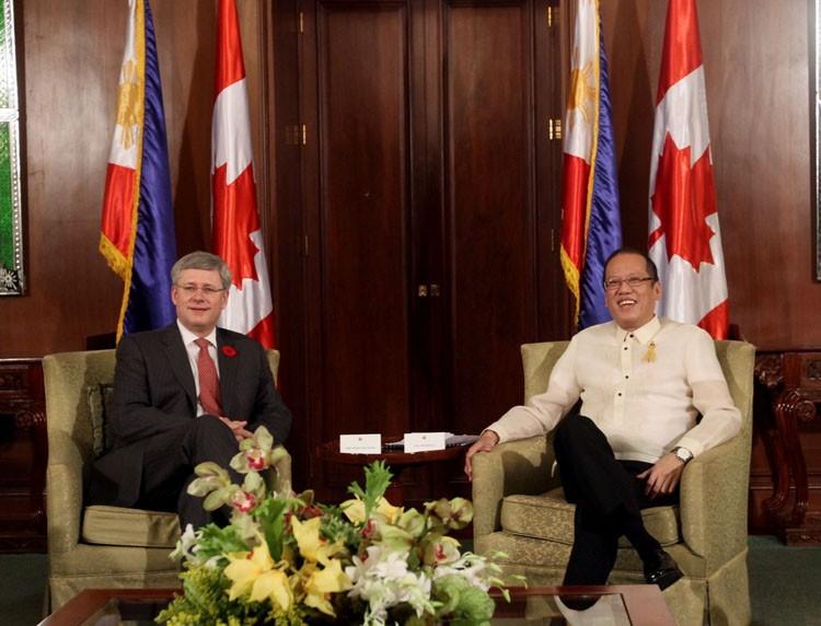 Aquino discusses labor, trade with Canadian PM Harper