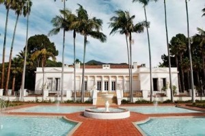 Rent 'Scarface' villa for the holiday