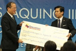 Aquino accepts donation from Filipino community in Switzerland for victims of Typhoon Pablo