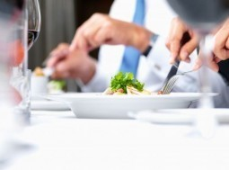 Eating late in the day may dampen your weight loss efforts