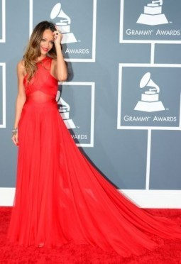 Stars ooze sex appeal, and show skin, at Grammys