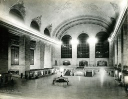 New York's Grand Central celebrates 100 years