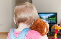 Childhood TV addicts more likely to commit crime: study