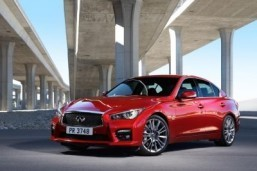 Infiniti revs up for Detroit with new engines and models